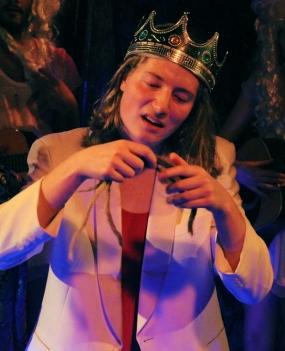 Stück: Der Teufel mit den drei goldenen Haaren | Rolle: König